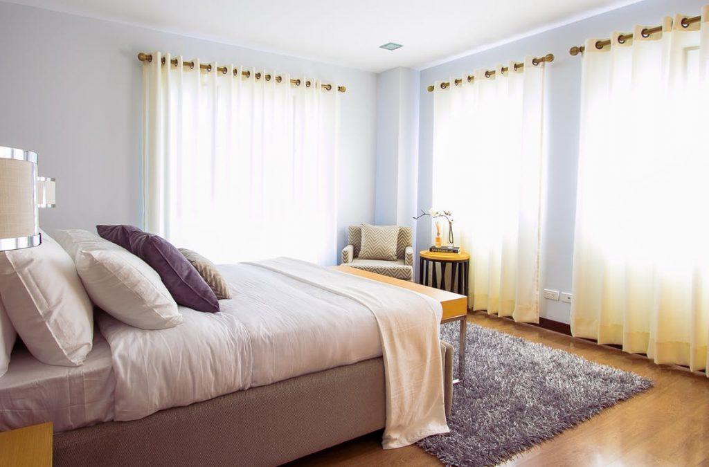 4 Tips For Decluttering Your Bedroom